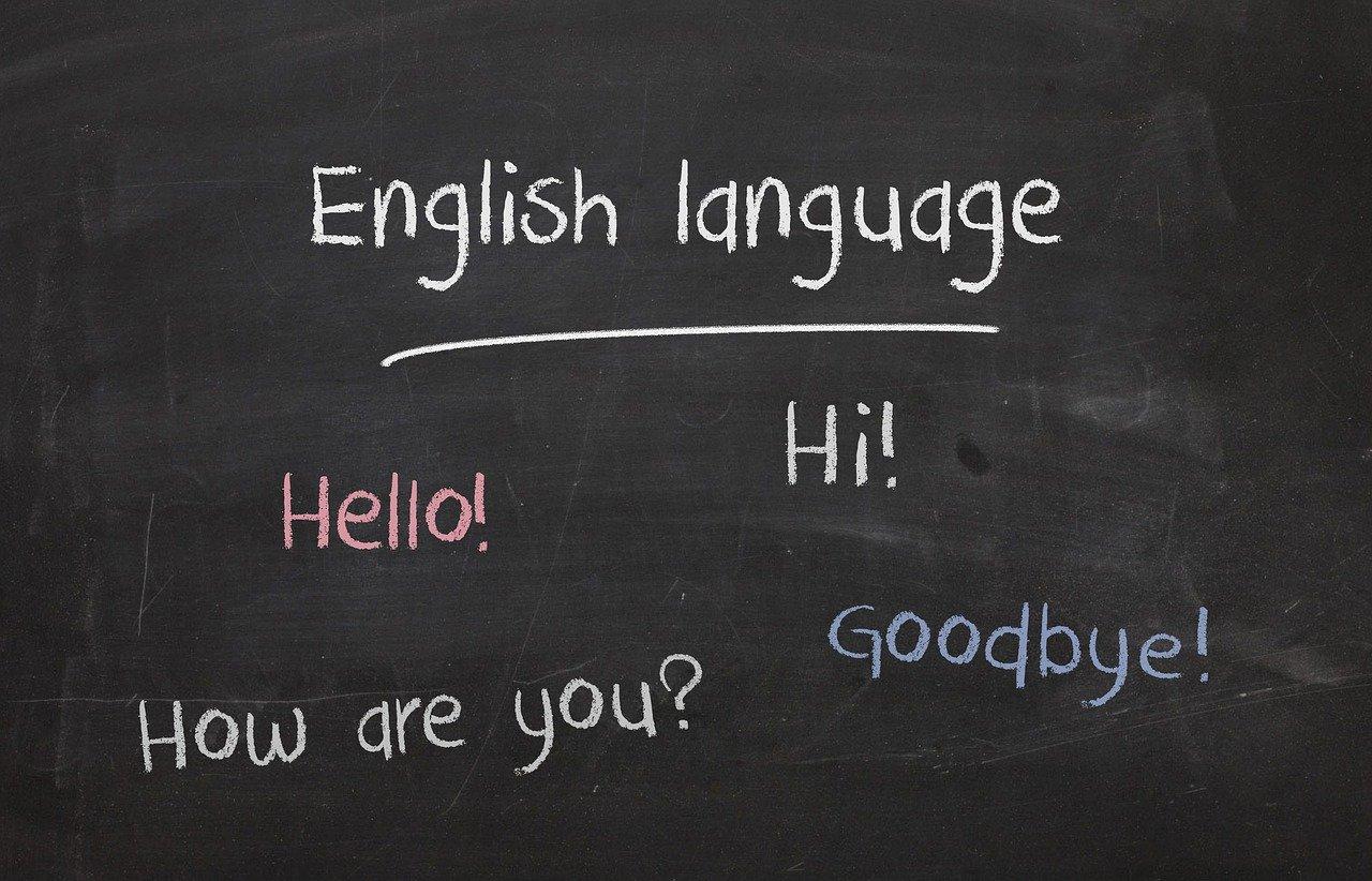 Penser à apprendre à votre enfant à parler une seconde langue en dehors du Français.